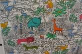 ljus botten med elefanter och andra vilda djur