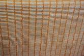 ljus botten med gallermönster i orange matchar Mokka