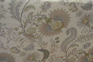 Indira beige botten med blommor