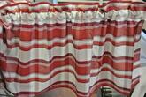 röd rutig gardinkappa