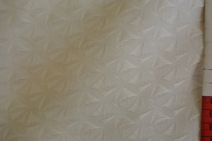 Off white vävd med mönster i ränder