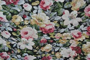 ADA svart botten med multifärgade  blommor