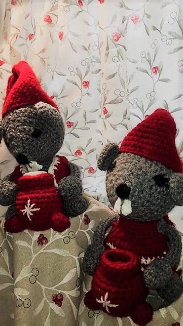 Mössen myser och längtar till jul!